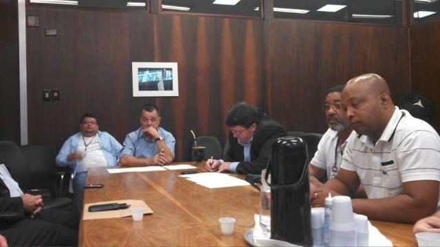 Entidades representativas dos servidores de nível médio da BM em reunião com os deputados