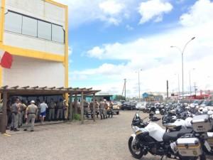 Agentes extras de todo o litoral se apresentaram hoje antes de ir embora  Foto: Paulo Rocha / Rádio Gaúcha