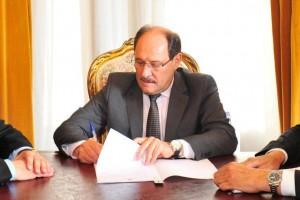Logo após a posse, Sartori assinou decreto limitando despesas e prorrogando dívidas Foto: Luiz Chaves / Divulgação