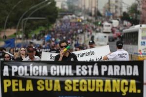 Agentes da Polícia Civil estão entre os servidores que aderiram à greve de três dias Foto: Diego Vara / Agencia RBS