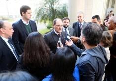 Governador concedeu entrevista após encontro com deputados Foto: Luiz Chaves