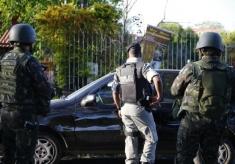 Solados do Exército fizeram treinamento ontem junto com a Brigada Foto: Félix Zucco /Agencia RBS